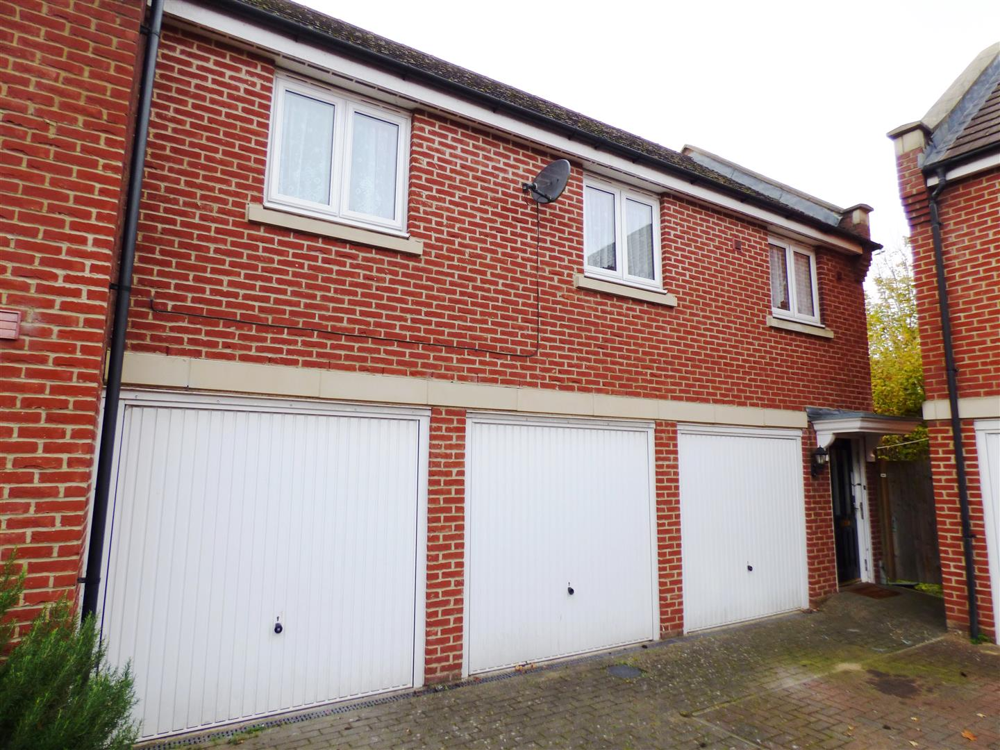 1 Bedroom Property for sale in Bramley Court, Dunstable